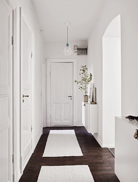 Minimal Hallways