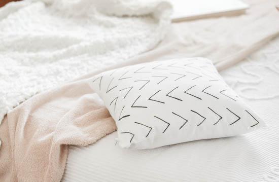 mucloth cushion