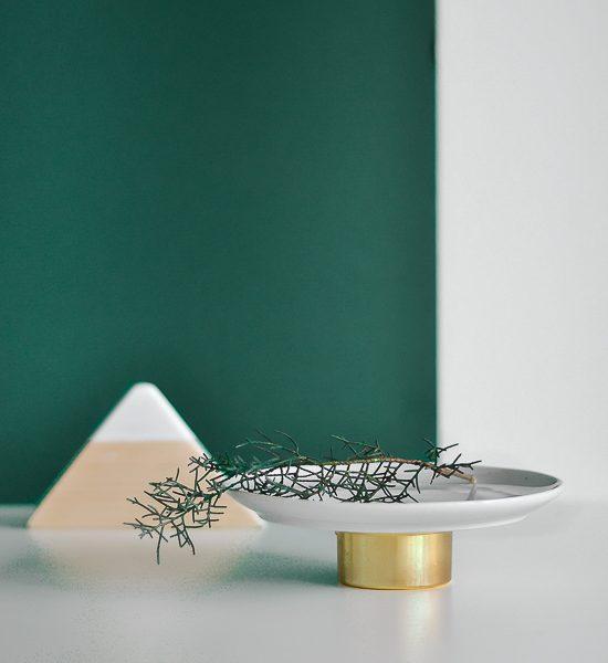 Make unique, design serving plates with this quick trick