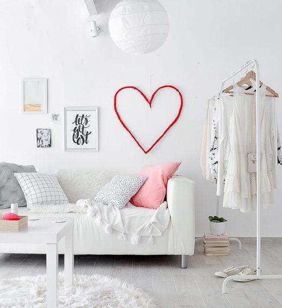 DIY Valentine's Day Wall He-art