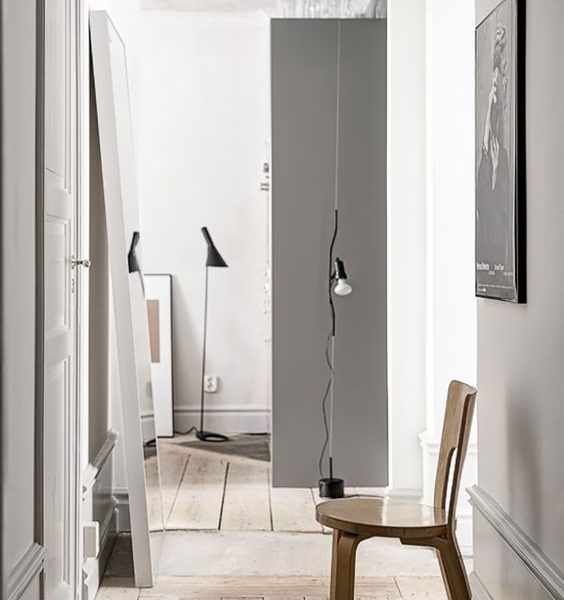 9 Minimal Hallways With No Clutter At All