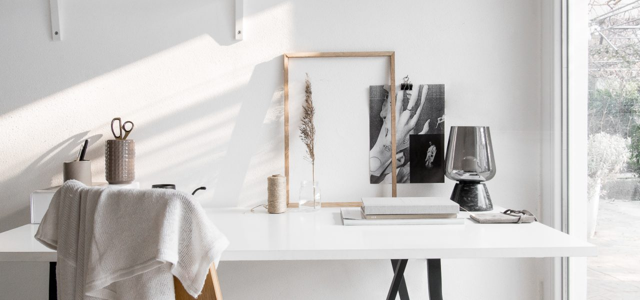 Styling Tip #8 – 5 Steps to a Minimal Workspace