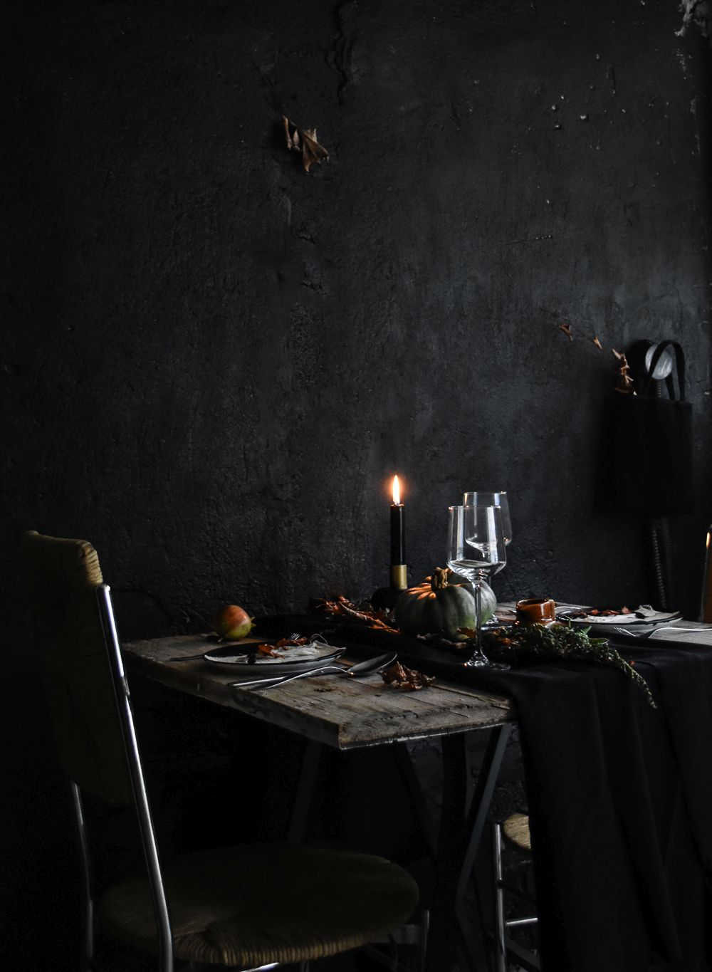 halloween-table-setting-idea