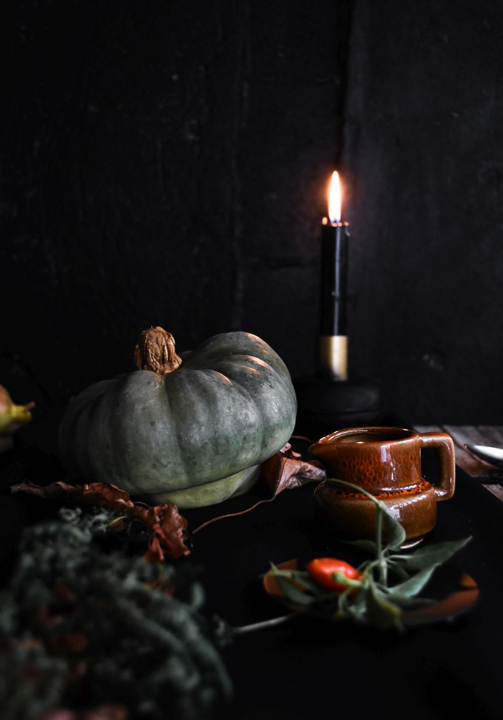 how-to-decorate-a-table-for-halloween