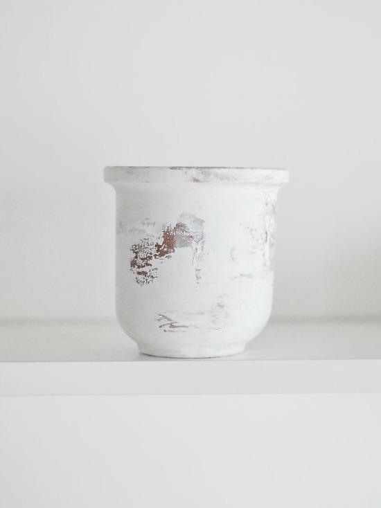 Peeling-Paint-Effect-Vase-Remove-papper
