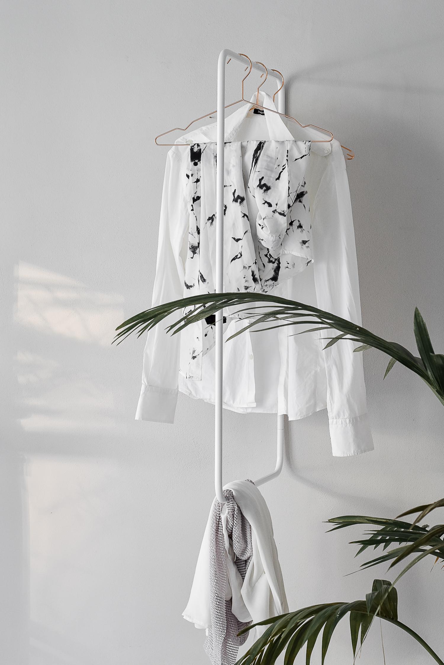 wardrobe turnaround rack