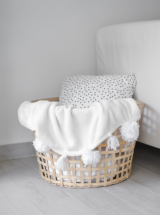 diy pom pom blanket passionshake (1 of 1)
