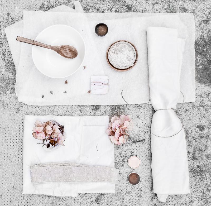 How to dye fabrics?