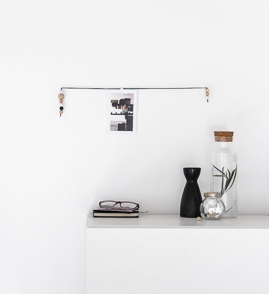 Stylish display made from a single string