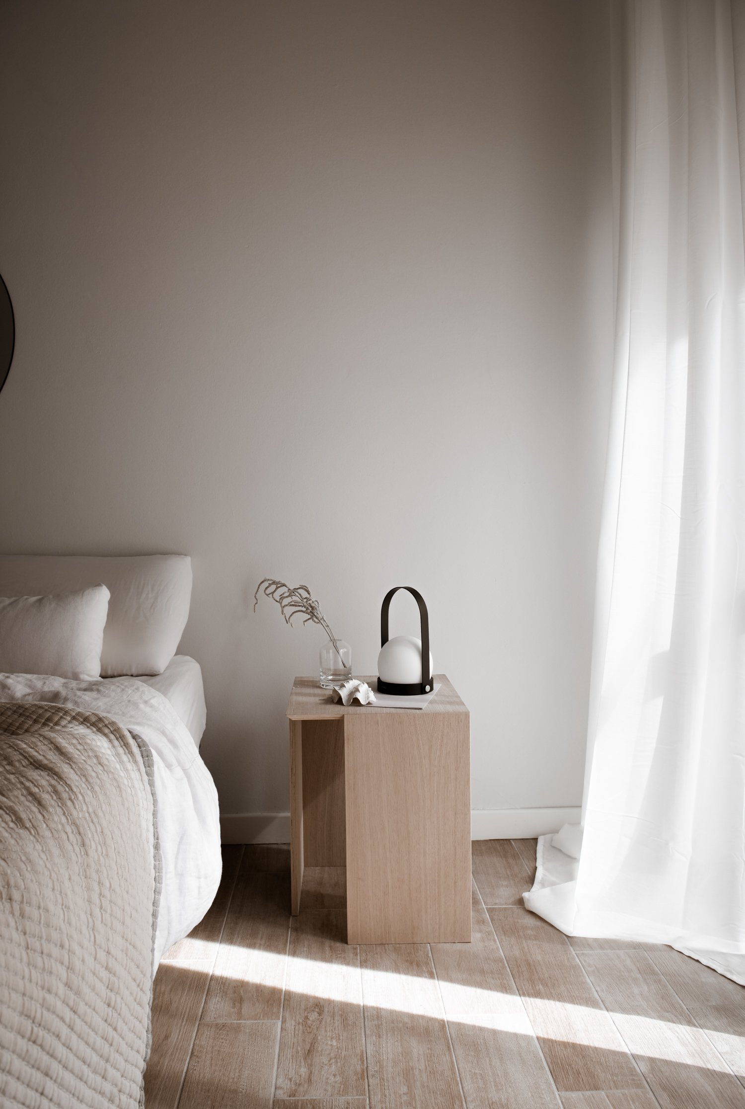 minimal nightstand for your bedroom